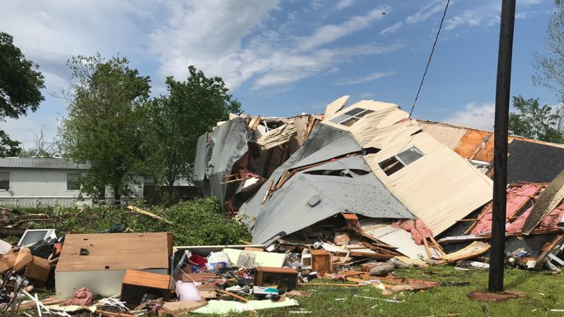 At least 6 killed as powerful, deadly storms sweep across the South