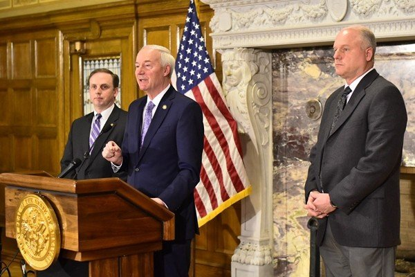 Governor pushes to keep Medicaid expansion despite halt to work requirement