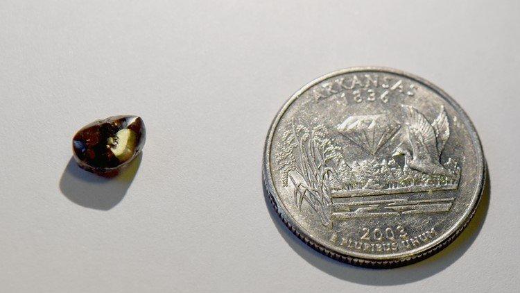 Nebraska man finds 2.12-carat diamond at state park in Arkansas