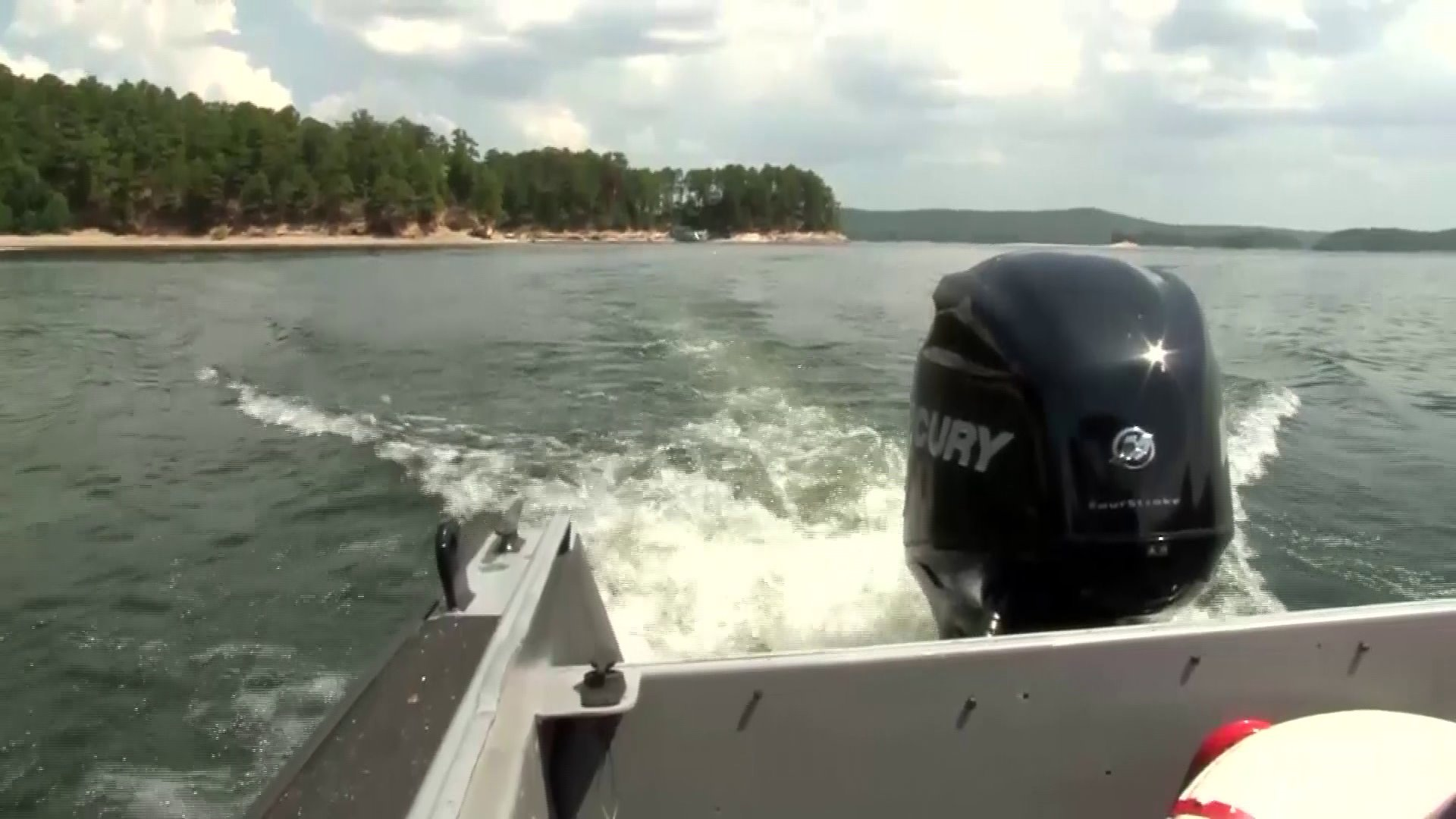 Police Searching For Sheriff's Deputy Who Went Missing On Lake Ouachita Friday Night