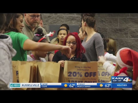 VIDEO: Hundreds of kids turned out for 41st Annual Christmas for Kids