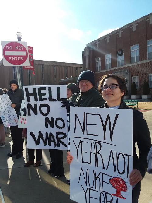 The war protest open line - Arkansas Times