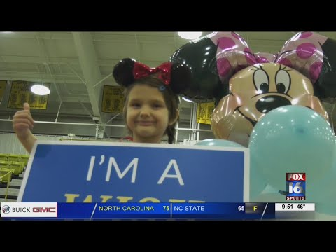 Watch: Rival Schools Raise Funds Together for Kindergartener's Make-A-Wish