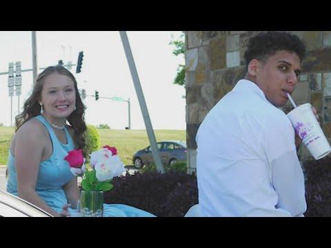 Watch: Arkadelphia teens have prom outside local Purple Cow