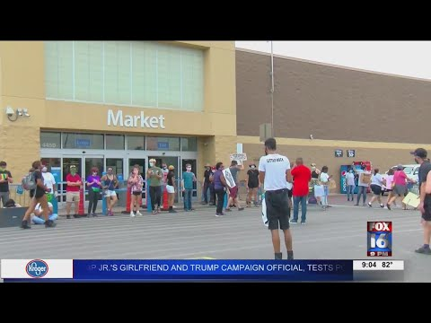 Watch: Protesters shut down 4 Central Arkansas Walmarts