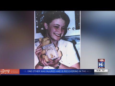 Watch: Alaskan officials identified the killer in 1996 cold case murder of teenage girl; Arkansas suspect c