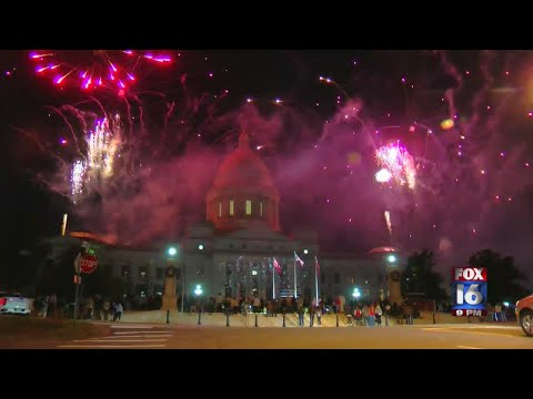 Watch: Arkansas Lights State Capitol for Holidays