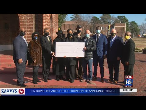 Watch: Family of fallen Pine Bluff officer dedicates UAPB scholarship in his name