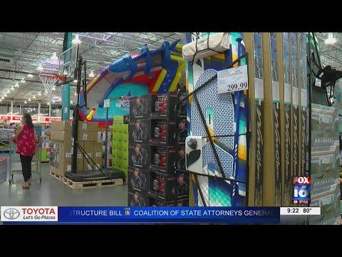 Watch: Costco in Little Rock is open for business