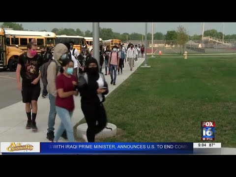 Watch: Mask mandate takes center stage at Little Rock School District board meeting