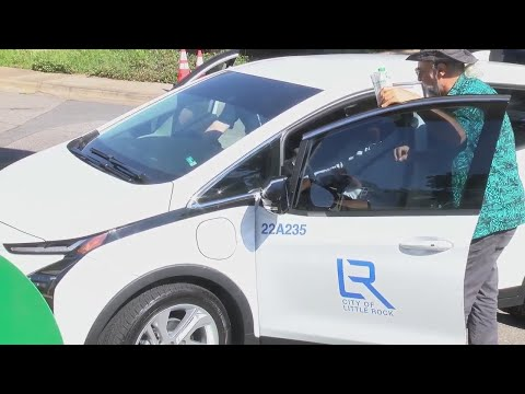 Watch: Little Rock Mayor takes city's new electric car for a spin